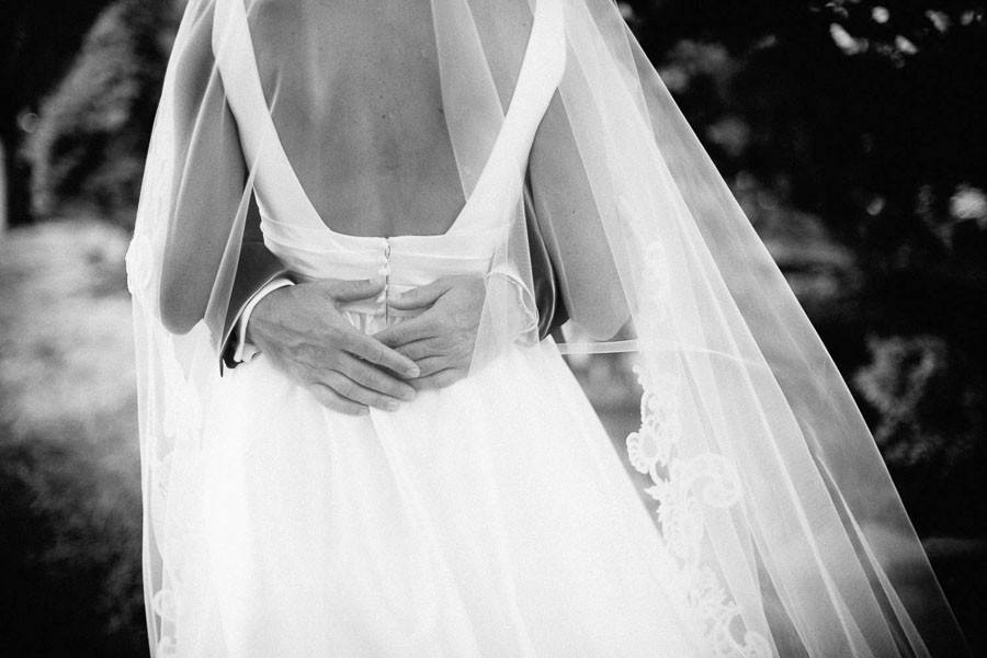 bride-gown-back